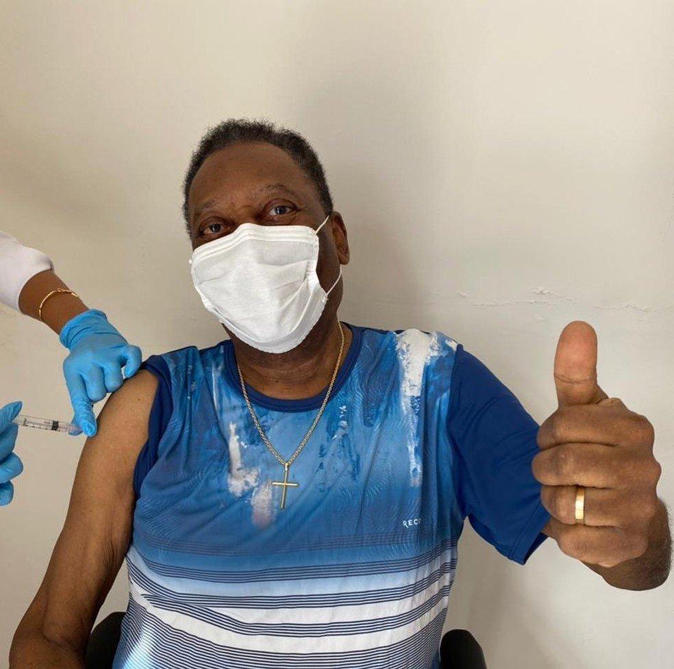 Pelé regresa a cuidados intensivos por precaución tras presentar un problema de reflujo gástrico